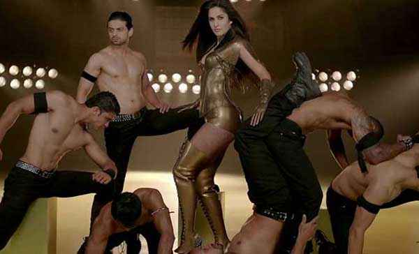 Dhoom 3 Katrina Kaif Hot Golden Dress In Dhoom Machale Dhoom Song Stills