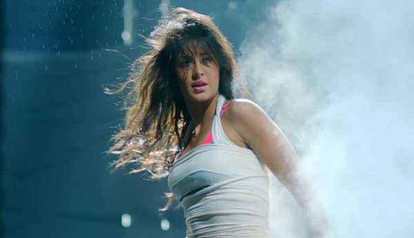 Dhoom 3 Katrina Kaif Hot Pics Stills