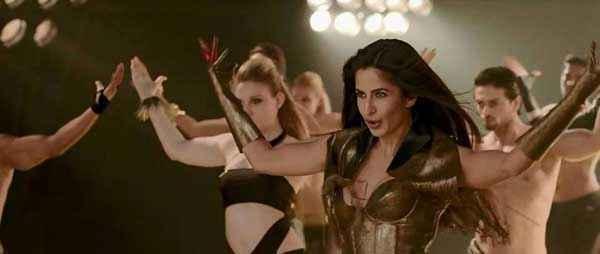 Dhoom 3 Katrina Kaif In Dhoom Machale Dhoom Song Stills