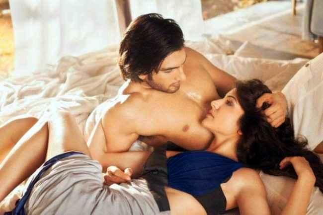 Dil Dhadakne Do Anushka Sharma Ranveer Singh Bed Scene Stills