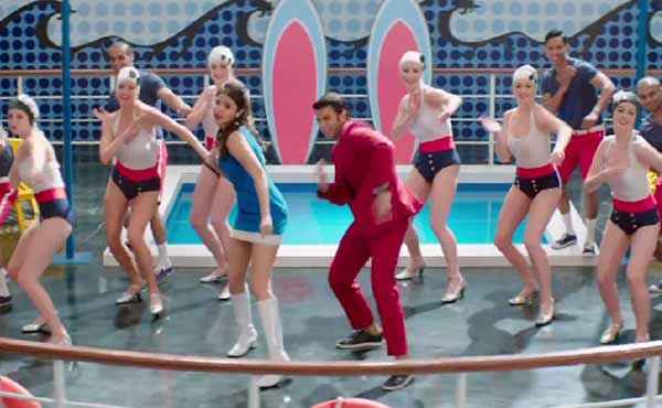 Dil Dhadakne Do Anushka Sharma Ranveer Singh Dance Stills