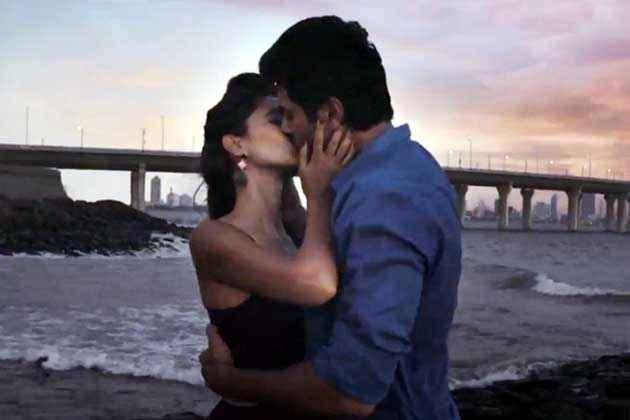 Dishkiyaoon Harman Baweja Ayesha Khanna Kiss Scene Stills