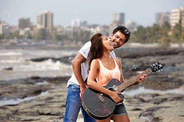 Dishkiyaoon Harman Baweja Ayesha Khanna With Guitar Stills