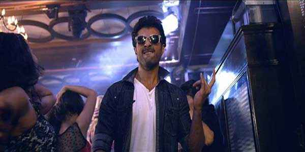 Dishkiyaoon Harman Baweja With Goggle Stills