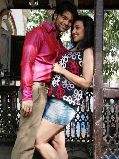 Dunno Y Na Jaane Kyun Aryan Vaid Rituparna Sengupta Romance Stills