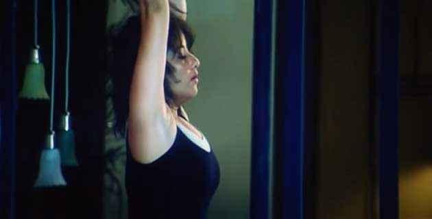 Ek Chotisi Love Story Manisha Koirala Black Bikini Stills
