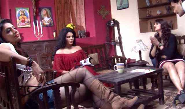 Ek Kahani Julie Ki Rakhi Sawant With Co Star Cast Stills