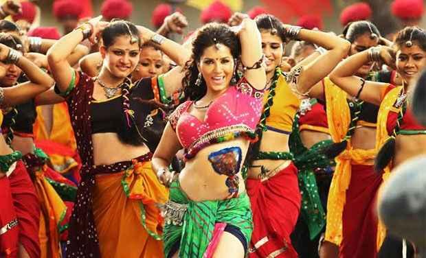 Ek Paheli Leela Sunny Leone Dance In Dholi Taro Song Stills
