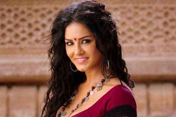 Ek Paheli Leela Sunny Leone Hair Style Stills
