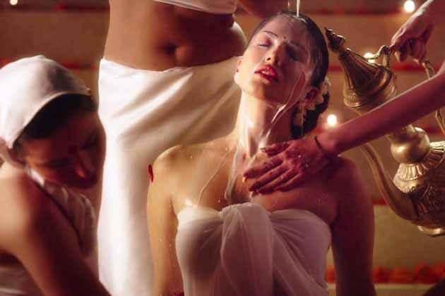 Ek Paheli Leela Sunny Leone Hot Bath Pics In White Dress Stills