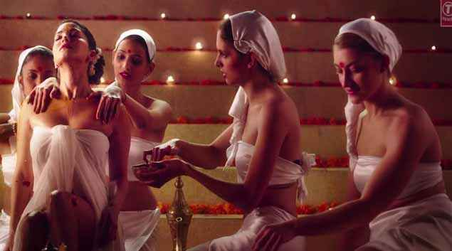 Ek Paheli Leela Sunny Leone Sexy Bath Pics Stills