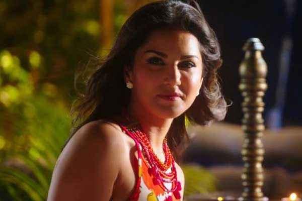 Ek Paheli Leela Sunny Leone Sweet Face Stills