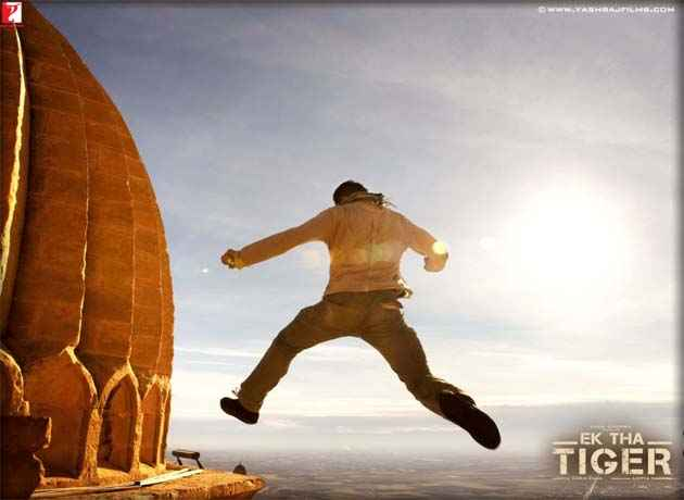 Ek Tha Tiger Salman Khan Action Wallpaper Stills