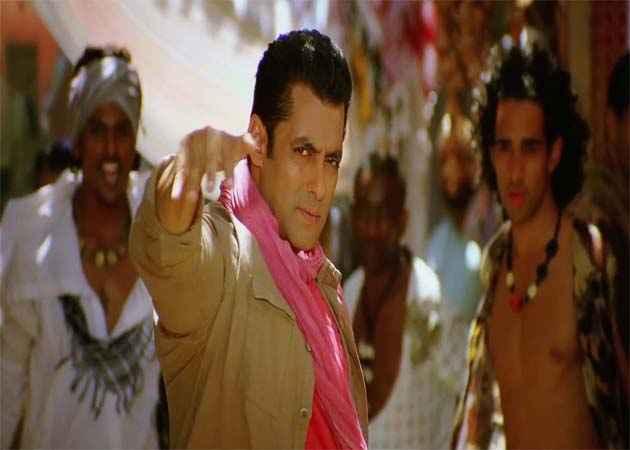 Ek Tha Tiger Salman In Mashallah Song Stills