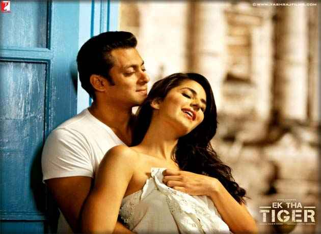 Ek Tha Tiger Salman Katrina Romance Scene Stills