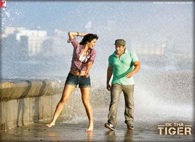 Ek Tha Tiger Salman Khan Katrina Kaif In Rain Scene Stills