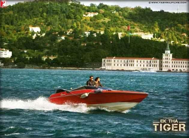 Ek Tha Tiger Salman Khan Katrina Kaif On Boat Stills