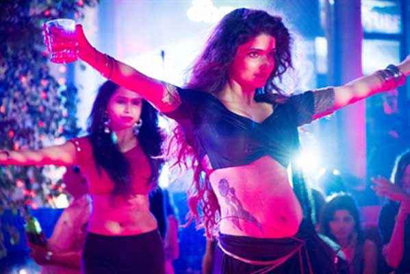 Ek Villain Prachi Desai In Awari Song Stills