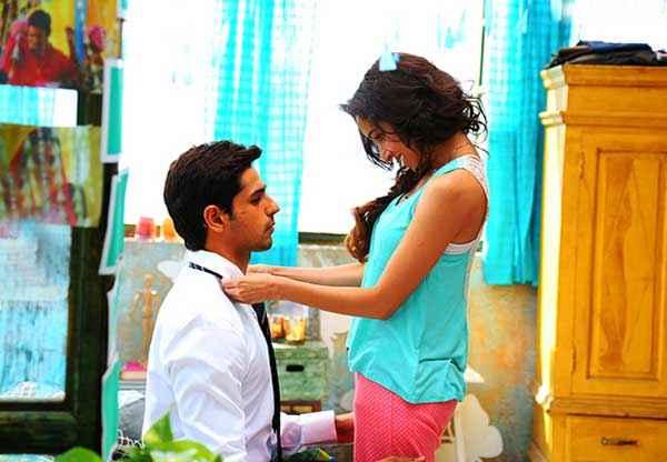 Ek Villain Shraddha Kapoor Making Sidharth Malhotra Tie Stills