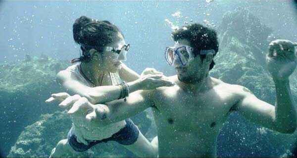Ek Villain Sidharth Malhotra Shraddha Kapoor In Water Stills