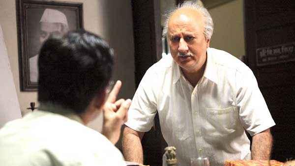 Ekkees Toppon Ki Salaami Anupam Kher Acting Stills