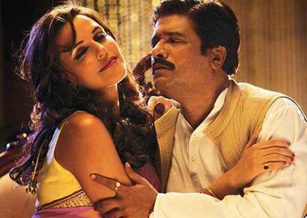 Ekkees Toppon Ki Salaami Neha Dhupia Rajesh Sharma Romance Stills