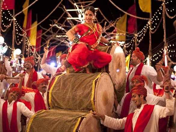 Ferrari Ki Sawaari Vidya Balan Item Song Stills
