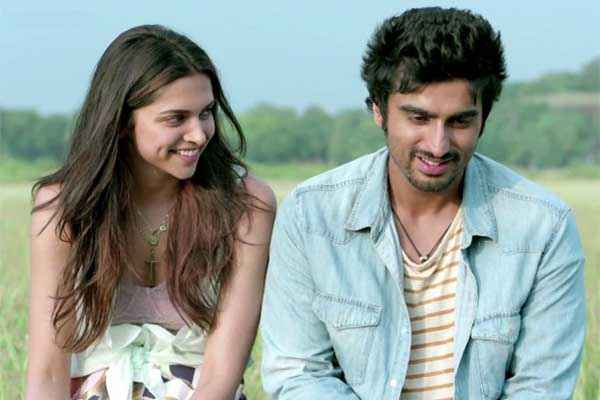 Finding Fanny Arjun Kapoor Deepika Padukone Romantic Smiling Stills