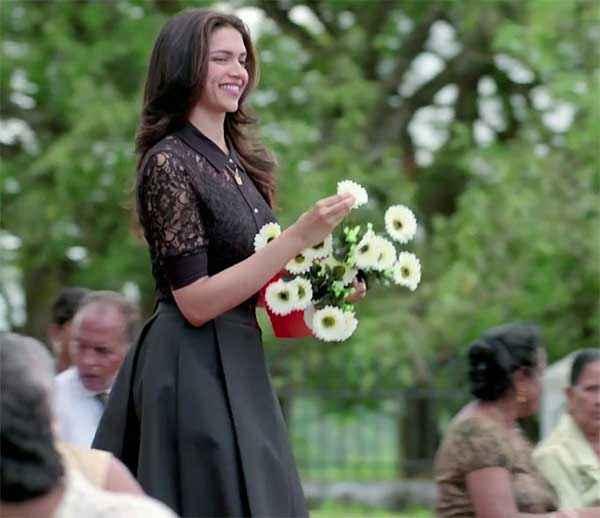 Finding Fanny Deepika Padukone Black Dress Wallpaper Stills