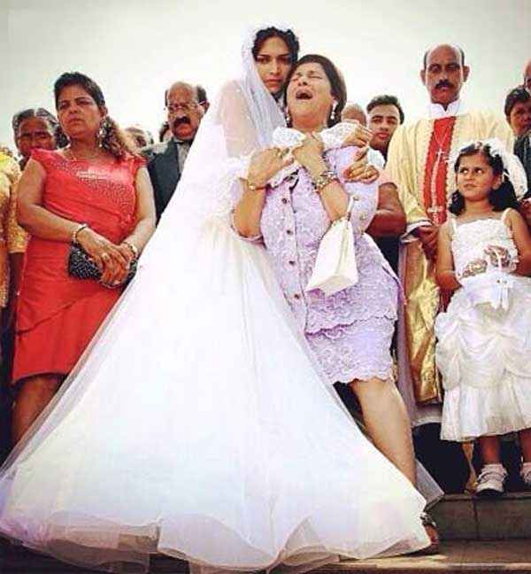 Finding Fanny Deepika Padukone Dimple Kapadia In White Dress Stills