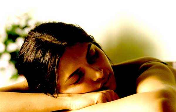 Finding Fanny Deepika Padukone Sleeping Scene Stills