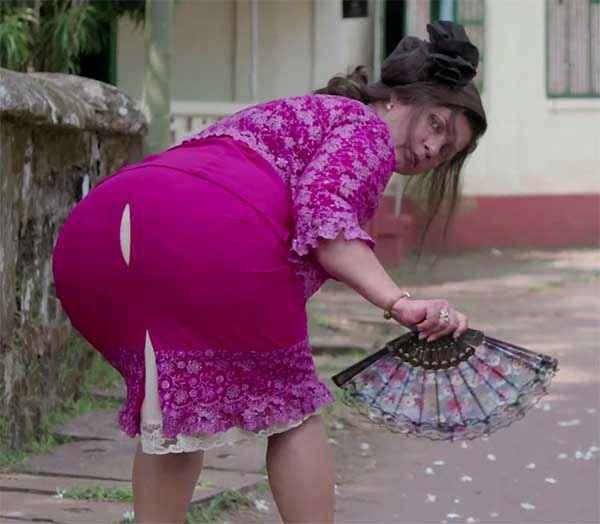Finding Fanny Dimple Kapadia Comedy Pics Stills