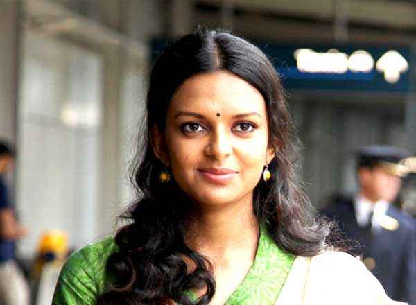 From Sydney With Love Star Cast Bidita Bag