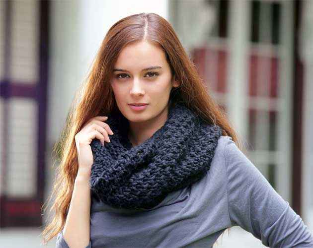 From Sydney With Love Star Cast Evelyn Sharma