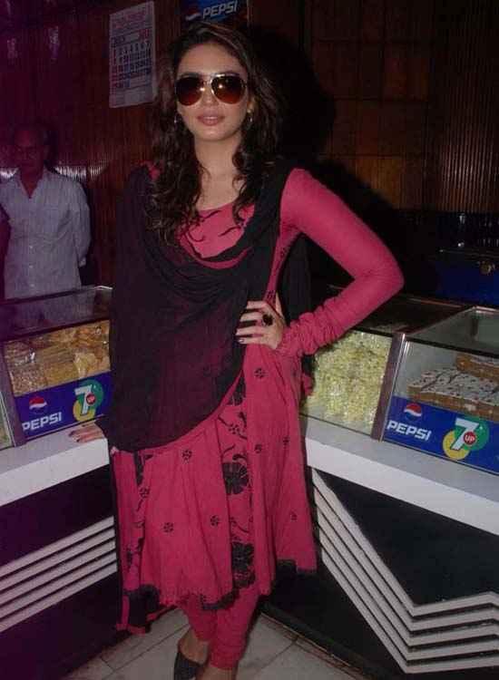 Gangs Of Wasseypur 2 Star Cast Huma Qureshi