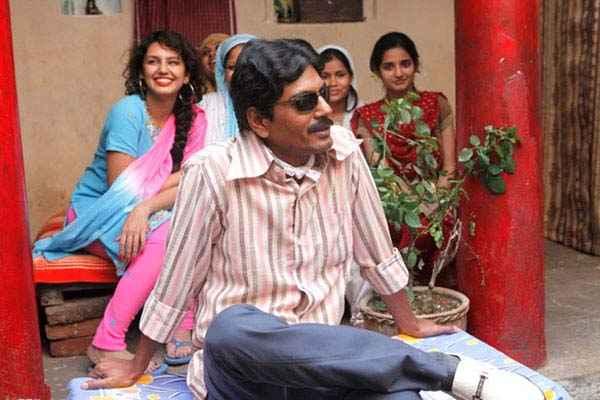 Gangs Of Wasseypur 2 Nawazuddin Siddiqui Huma Qureshi Photos Stills