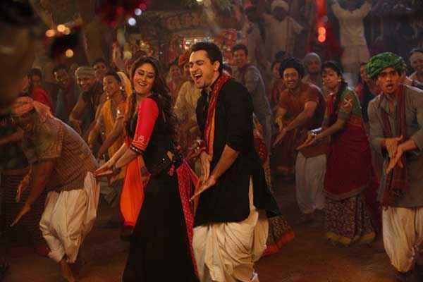 Gori Tere Pyaar Mein Imran Khan Kareena Kapoor Hot Dance Stills
