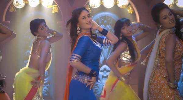 Gori Tere Pyaar Mein Kareena Kapoor Dance Photo Stills