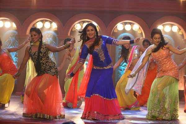 Gori Tere Pyaar Mein Kareena Kapoor Dance Pics Stills
