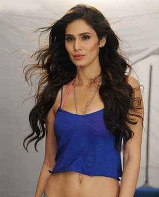 Grand Masti Star Cast Bruna Abdulla