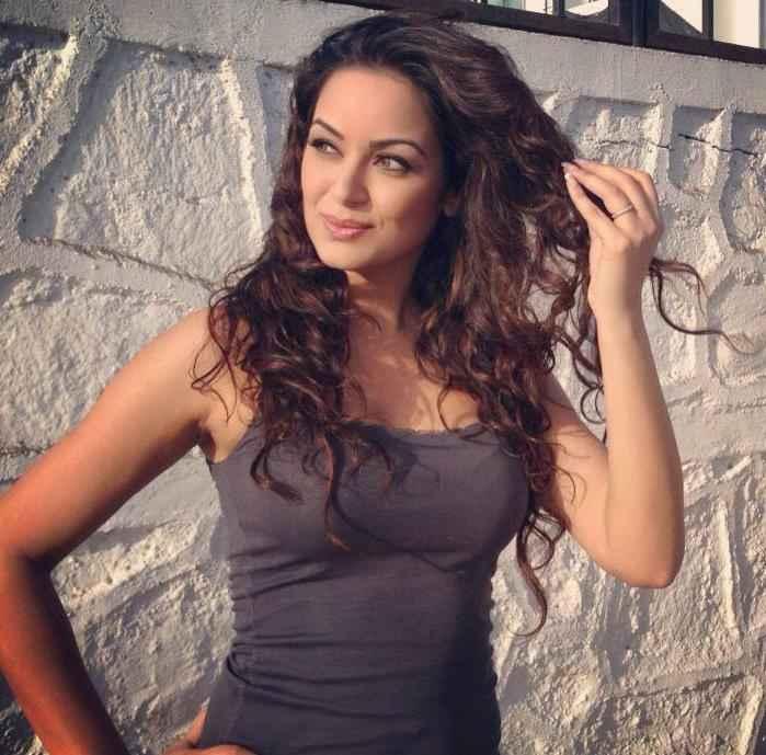 Grand Masti Star Cast Maryam Zakaria