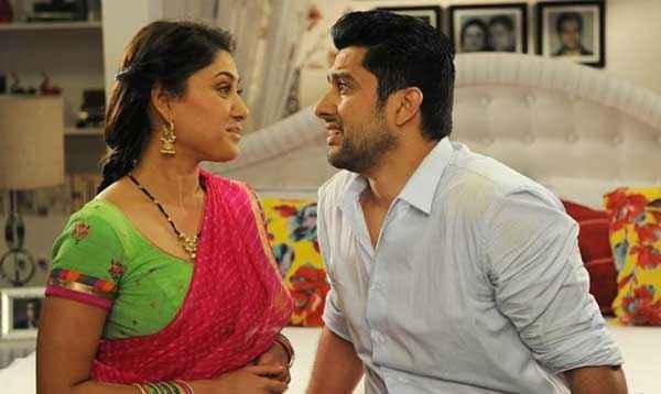 Grand Masti Aftab Shivdasani Sonali Kulkarni Romance Scene Stills