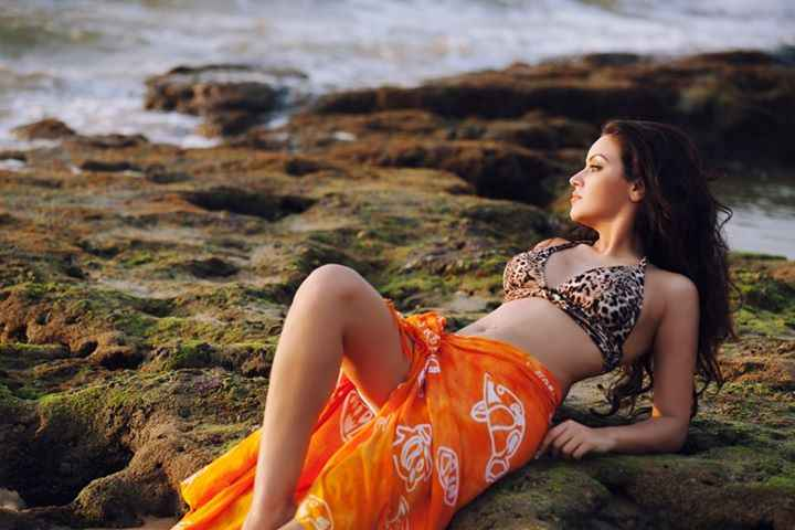 Grand Masti Maryam Zakaria In Bikini Stills