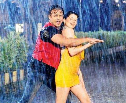Grand Masti Vivek Oberoi Manjari Phadnis Rain Hot Scene Stills