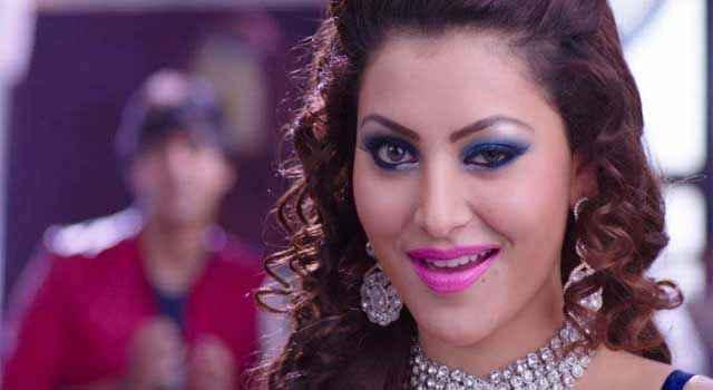 Great Grand Masti Urvashi Rautela Sexy Eyes Stills