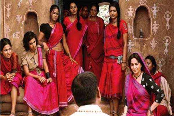 Gulaab Gang Madhuri Dixit With Gang Stills