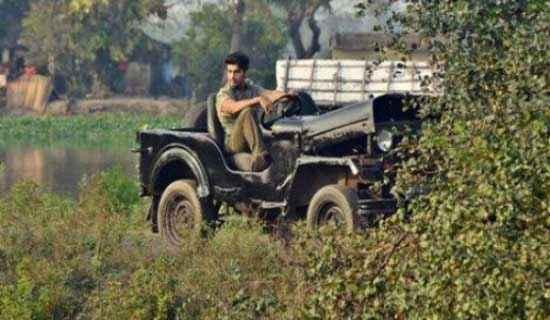 Gunday Arjun Kapoor With Mahindra Car Stills