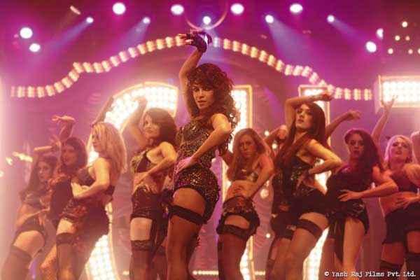Gunday Hot Priyanka Chopra In Asalaam E Ishqum Song Stills