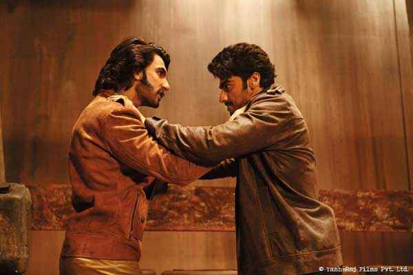 Gunday Ranveer Singh Arjun Kapoor Fight Stills