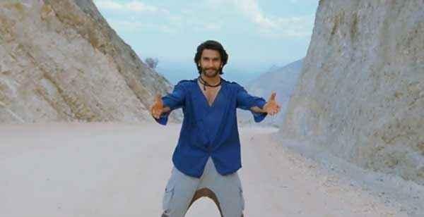 Gunday Ranveer Singh Blue Shirt Stills